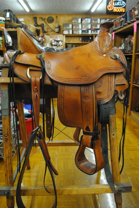 Tucker Wade Saddle out TX